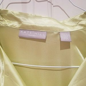 Kate Hill Tops - Absolutely stunning 100% silk blouse
